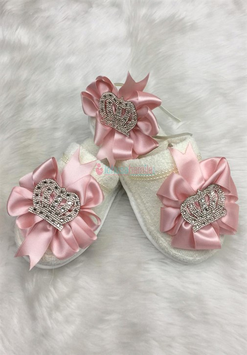 Lh 318 Powder Maternity Crown and Slipper Set