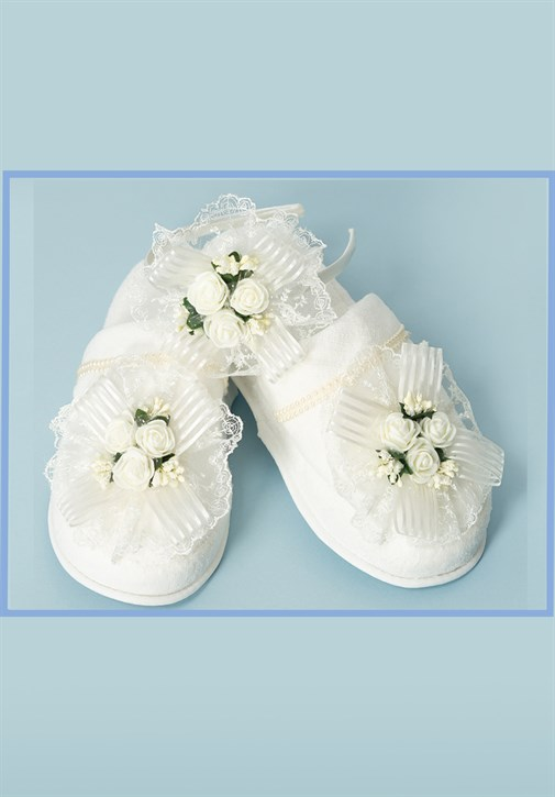 Lh 323 Ecru Flower Maternity Crown and Slipper Set