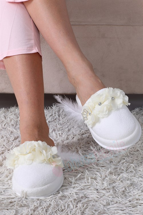 Lh12081 Ecru Lotus Maternity Nursing Slipper
